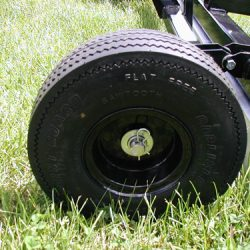 magnetic-tow-behind-HOG-series-wheels-bluestreak-equipment