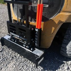 bluestreak_equipment_forager_26_pin_mounted_forklift_magnetic_sweeper-500