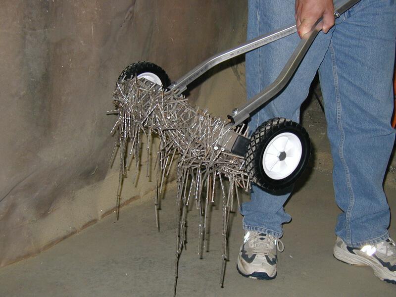 scape-series-magnetic-sweeper-bluestreak-equipment-nail-debris