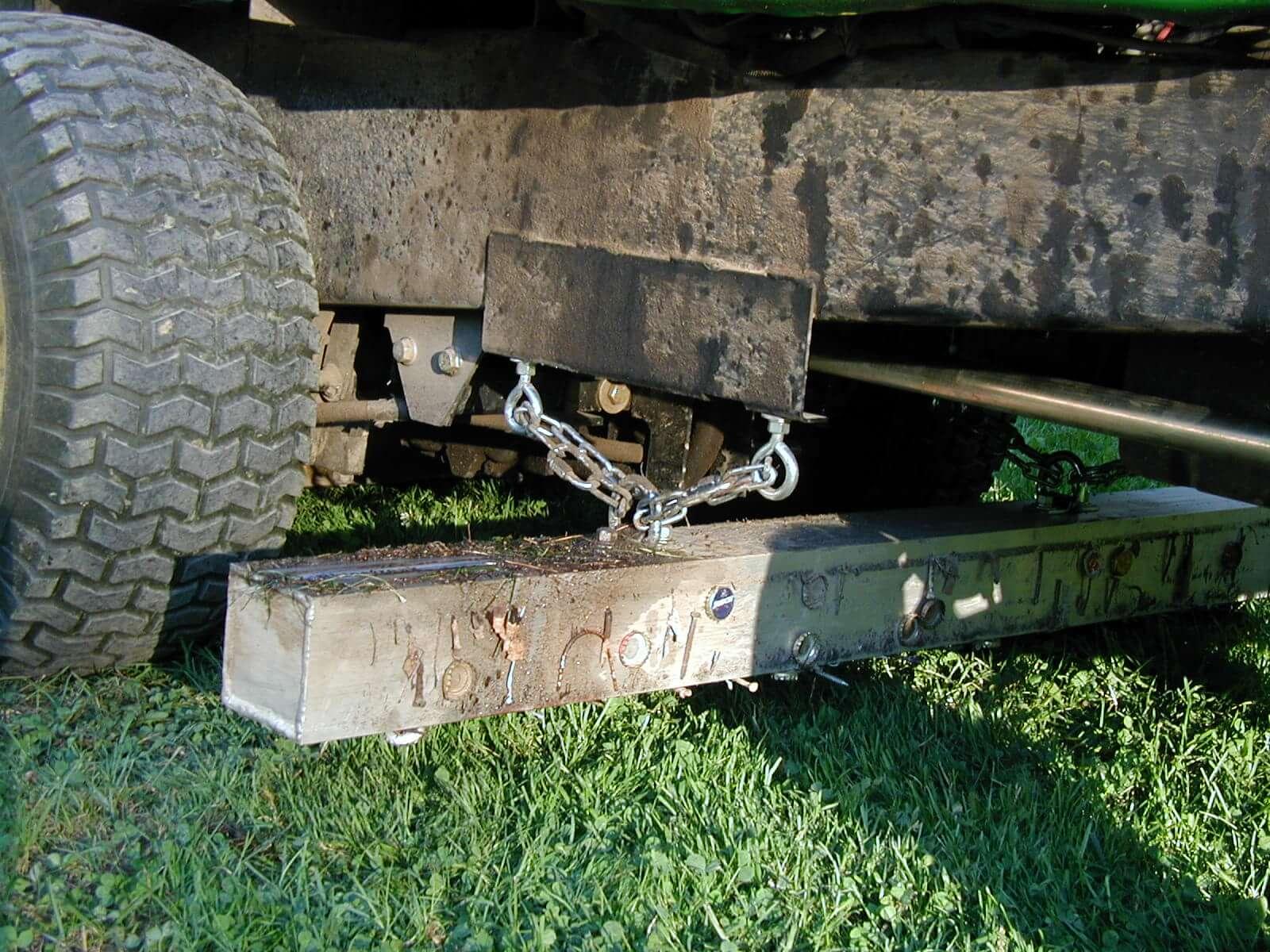 wrasse-magnetic-sweeper-grass-lawnmower-bluestreak-equipment