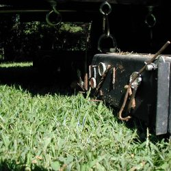 wrasse-magnetic-sweeper-lawnmower-attachment-bluestreak-equipment-closeup