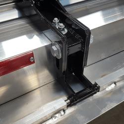 slotted black magnet holding bracket provides sweeping height adjustment