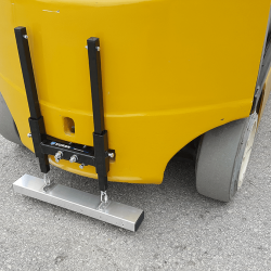 Rear pin mount forklift magnet