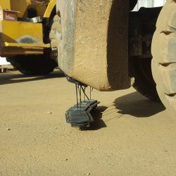 NOMIC hanging magnetic sweeper